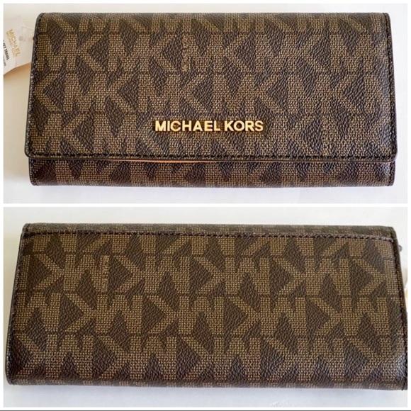 6446115ae45a Michael Kors Bags | Large Jet Set Travel Carryall Wallet | Poshmark